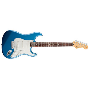 Fender Standard Stratocaster Lake Placid Blue. Pau Ferro